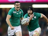Sean O'Brien backs up Jonathan Sexton as the pair manufactured Ireland's third try Credit: ©INPHO/Dan Sheridan