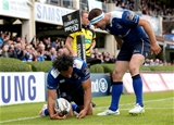 Isa Nacewa scores the first try of the game as Fergus McFadden is first in to celebrate with him Credit: ©INPHO/Ryan Byrne