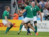 Ireland's young lock Iain Henderson gets a tackle in on Italian full-back Luke McLen Credit: ©INPHO/Dan Sheridan