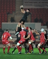 Robin Copeland, who started in the second row, secures lineout possession for Munster Credit: ©INPHO/Ian Cook